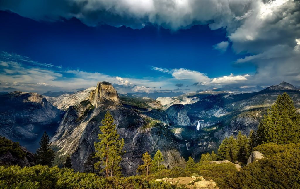 An outstanding vista of Yosemite national park taken with a high-end camera filter.