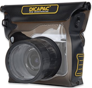 The Dicapac WP-S3 protecting a Sony a6000 from the weather.